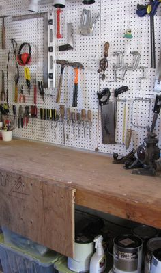 Keep your garage organized and tidy with a helpful pegboard! Learn how to install a pegboard with our handy DIY guide. Small Space Organization, Kitchen Cabinet Organization, Closet Organization, Organizing Ideas, Garage Renovation, Garage Remodel, Garage Makeover, Bedroom Storage, Diy Storage
