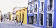 Fin de semana en Oaxaca. Oaxaca es mágica. En ella contrastan vestigios de majestuosas ciudades prehispánicas que cohabitan con imponentes conventos y edificios virreinales. ¡Descúbrela este fin de semana!
