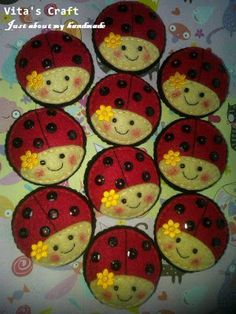 felt ladybugs - would be cute ornamentsuse translate and she has some very sweet things like a sewing room in felt