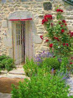 Bohemian Garden | Stone Cottages to Die For736 x 981446.3KBwww.pinterest.com