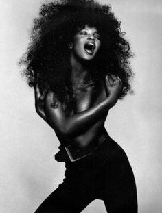Naomi Campbell Strikes a Pose, So Loud!!