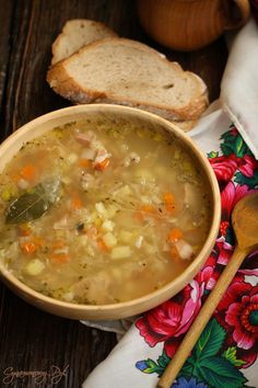 Kwaśnica góralska Soup Recipes, Diet Recipes, Healthy Recipes, Garlic Roasted Potatoes, Sandwiches, Polish Recipes, Polish Food, Traditional Kitchen, Bon Appetit