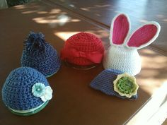 5 hats I crocheted this weekend for family and friends. (2012)