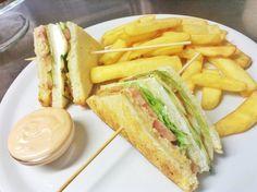 Solo al #chickenco il #clubsandwich originale! Www.chickenco.it sul #lagodigarda, a #pietramurata