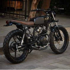 Browse several of my most popular builds - custom-made scrambler builds like this Yamaha 125, Yamaha Cafe Racer, Cafe Bike, Honda 125, Tracker Motorcycle, Cafe Racer Motorcycle, Motorcycle Design, Bike Design, 125cc Motorbike