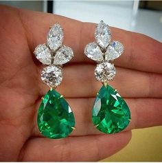 Emerald Earrings Good, Great, or just OK? Emerald Earrings Harry winston euvieira: beautyblingjewelry: Bulgari emerald and fashion love …things! Emerald Earrings, Emerald Jewelry, Pearl Stud Earrings, Silver Jewelry, Rhinestone Earrings, Gemstone Earrings, Antique Jewelry, Silver Earrings, Jewelry Accessories