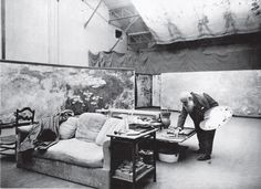 Maler Claude Monet in seinem Atelier in Giverny ca Paris, Musée Marmottan Stockfoto, Bild: 113148270 - Alamy Claude Monet, Jeff Koons, Caricatures, Invention Of Photography, Paris, Jackson's Art, The Secret World, Monet Paintings, Paul Cezanne