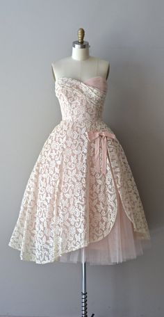 Châteauroux lace dress / 1950s dress / not sure what you think about this Robyn.  I thought it was kinda cute :)