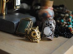 I want that owl ring!!!