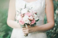 Bouquet Vintage style Vintage Style, Vintage Fashion, Fine Art Wedding Photography, Wedding Photos, Bouquet, Wedding Inspiration, Wedding Dresses, Floral, Color