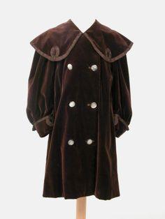 Child's coat, 1900-10.  Killerton Fashion Collection.