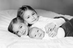 Sibling with newborn photo. http://katherinedphotography.com