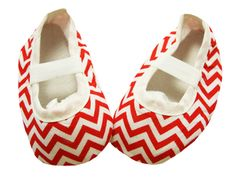 Every hunny bunny baby looks cuter with some chevron! They are made from soft material, making them comfortable for babies and toddlers. The soft soles make it Crib Shoes, Baby Shoes, Red Chevron, 4th Of July Celebration, Wholesale Shoes, Stylish Dresses, Princess, Celebrities, Accessories