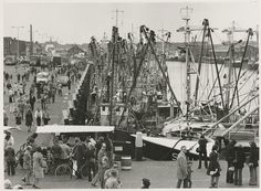 Scheveningen 1972: 2e Vissershaven en Dr. Lelykade Vlaggetjesdag