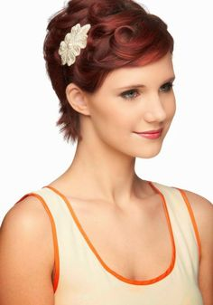 A bride with short hair can be very elegant and sexy! To prove this statement, we have collected a variation of fabulous bridal hair...