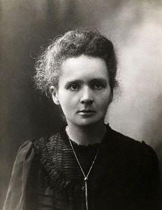 Marie Curie - Nossa primeira homenagem a uma mulher, foi a única pessoa a ser contemplada com dois Prêmios Nobel em diferentes categorias científicas, em física e química.