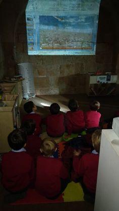 Visita de los alumnos de 1º curso de primaria del Colegio Montesori de Salamanca. (15 de octubre de 2019) Thing 1, Painting, Art, October 15, Shells, Art Background, Painting Art, Kunst, Paintings