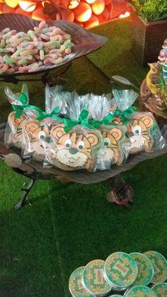 Biscoitos decorados ! #biscoito #cookies #safari #festamenino