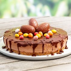 Chocolate lovers rejoice! This delicious chocolate cheesecake is the perfect Easter treat, not only does it taste yum, but it looks amazing too.