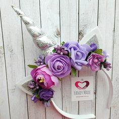 Unicorn headband silver horn with purple flowers. Unicorn gift for girl. Unicorn Headpiece, Diy Unicorn Headband, Unicorn Gifts, Baby Flower Crown, Flower Crown Headband, Silver Headband, Felt Flowers, Diy Flowers, Purple Flowers