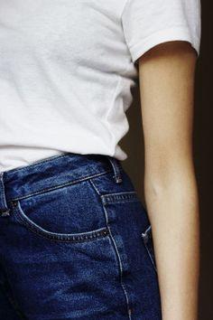 Simple mais toujours efficace, le combo 501 + t-shirt blanc.