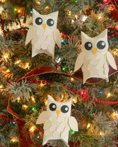 28 Christmas Crafts Made From Toilet Paper Rolls - Toilet Paper Roll Crafts Snow Owl - Christmas Owls, Christmas Crafts For Kids, Diy Christmas Ornaments, How To Make Ornaments, Homemade Christmas, Holiday Crafts, Christmas Decorations, Christmas Candy, Holiday Decor