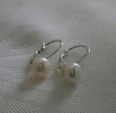 Perlen Ohrringe 925 Silber von Mirakel auf DaWanda.com Pearl Earrings, Pearls, Etsy, Jewelry, Projects, Nice Asses, Pearl Studs, Jewlery, Jewerly