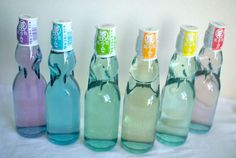 Ramune(Soda) bottles, made of glass and sealed with a marble Soda Bottles, Bottles And Jars, Jar Design, Carbonated Drinks, The Inventors, Champagne Bottles, Packaging Design, New Baby Products, Water Bottle