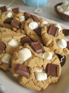 Peanut Butter S'more Cookies - a little taste of heaven? Pretty sure!