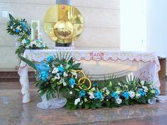 kompozycje na ołtarz - ślub - margaretki, lilie