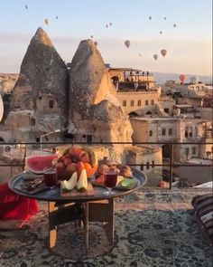 Take a look at our fairytale air balloon flight in Cappadocia cappadocia kapadokya solotravel balloon hotairballoon balloonflight dreamestination dream dreams travelislife turkey visitturkey 563231497148450616 The Places Youll Go, Cool Places To Visit, Places To Go, Istanbul Travel, Air Balloon Rides, Hot Air Balloon, Destination Voyage, Beautiful Places To Travel, Turkey Travel