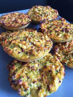 Galettes de lentilles corail, quinoa et légumes. Une recette saine et très originale avec des légumes, des légumineuses et du quinoa.