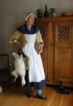 Examples of Century Women's Clothing for the New France Working Class 18th Century Dress, 18th Century Clothing, 18th Century Fashion, Historical Costume, Historical Clothing, Women's Clothing, France Outfits, English Dress, Bandana Styles