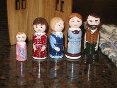 Little House. Alissa would LOVE these! Wood Peg Dolls, Clothespin Dolls, Diy For Kids, Crafts For Kids, Arts And Crafts, Crochet Christmas Garland, Making Wooden Toys, Tiny Dolls, Wooden Pegs
