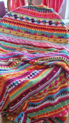 *LolaIsHooked* Crochet Along 2014 – – Knitting Blanket 2020 Crochet Motifs, Afghan Crochet Patterns, Crochet Granny, Crochet Stitches, Knitting Patterns, Knit Or Crochet, Crochet Hooks, Crochet Blankets, Crochet Afgans