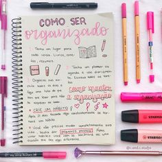 Nenhuma descrição de foto disponível. Bullet Journal School, Lettering Tutorial, Notebook Organization, School Organization, Study Journal, Cute School Supplies, School Notes, Study Hard, Study Inspiration