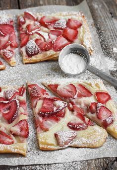 Strawberries and Cream Tarts - a quick and easy sweet summer treat | www.seasonsandsuppers.ca | #strawberries #cream #tarts
