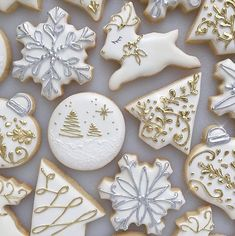 Bakery Goals - A great inspiration for this year& Christmas bakery . - Bakery Goals – gives us great inspiration for this year& Christmas bakery. Snowflake Cookies, Christmas Tree Cookies, Iced Cookies, Christmas Sweets, Christmas Cooking, Christmas Goodies, Holiday Cookies, Gingerbread Cookies, Gold Christmas
