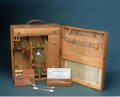 Credit: Science Museum, London, Wellcome Images. Lieutenant Geoffrey Keynes of the Royal Army Medical Corps designed and pioneered this portable blood transfusion kit, with a special device in the flask for regulating flow. Why didn't Keynes use stored blood? It didn't keep very well. It needed to be refrigerated – a difficult task in field hospitals, and it clotted into lumps unless an anticoagulant was added.