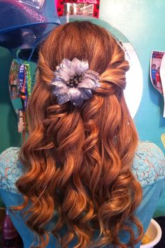Curly waves and flower clip... Perfff for semi formal <3