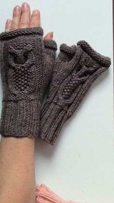 Owl Fingerless Mittens Cable Knit Fingerless Gloves CHOOSE YOUR COLOR Winter Fashion Accessories Accessories Cable Choose color Fashion Fingerless Gloves Knit Mittens Owl Winter Fingerless Gloves Knitted, Knit Mittens, Knitting Patterns Free, Baby Knitting, Knitted Owl, Winter Mode, Wrist Warmers, Cable Knit, Winter Fashion