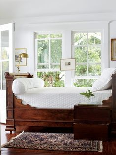 Daybed on the sleeping porch! Tour a renovated South Carolina island cottage Beautiful Bedrooms, Beautiful Interiors, Home Bedroom, Bedroom Decor, Decor Room, Sleeping Porch, Guest Bedrooms, Guest Room, Traditional House