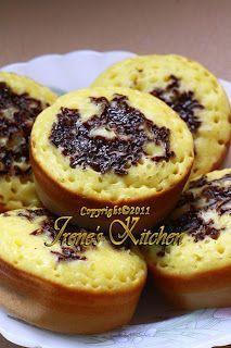 Kalau sedang tidak ada kerjaan dan tidak ada makanan, kadang yang terpikir adalah membuat kue-kue tradisional, karena biasanya membuatnya c...