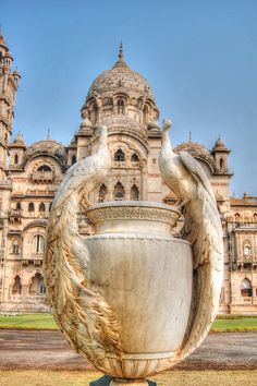 Statue of peacocks at the entrance of Laxmi Vilas Palace,vadodara,Gujarat,India Temple Architecture, Revival Architecture, Ancient Architecture, Beautiful Architecture, Modern Architecture, Photo Chateau, Travel Photographie, Places To Travel, Places To Visit