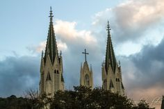 torens kerk herauten van het evangelie