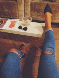 Here is Estilo-Tendances guide on how to wear pointed toe shoes Fall Let's get to the point, shall we? Looks Style, Style Me, Cute Shoes, Me Too Shoes, Look Fashion, Autumn Fashion, Casual Wear, Casual Outfits, Look Formal