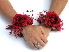 flower wrist cuffs...gee, maybe i am a hippie... #beautifulgirlstuff