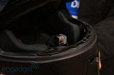 HUD im Helm - Dieses Prisma erinnert verdächtig an Google Glass (Bildquelle: Engadget)