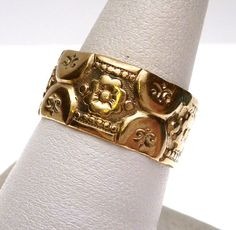 9 kt Art Nouveau Floral Carved Band by KlinesJewelry on Etsy