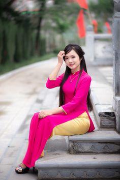 Best 12 girl On bouncing Early morning BooBers be a bouncing hot women – SkillOfKing. Ao Dai, Asian Woman, Asian Girl, Vietnamese Clothing, Preety Girls, Beautiful Asian Women, Traditional Dresses, Asian Fashion, Asian Beauty
